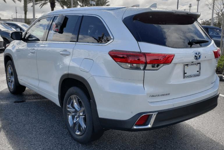 Тойота хайлендер фото 2019 сзади