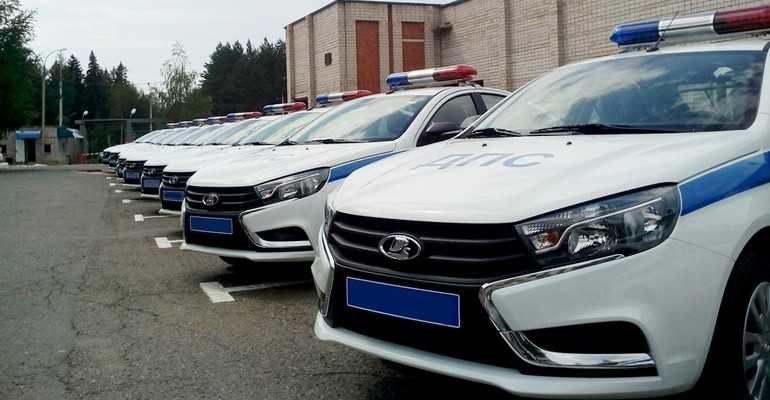 полицейские LADA Vesta, Granta и Largus