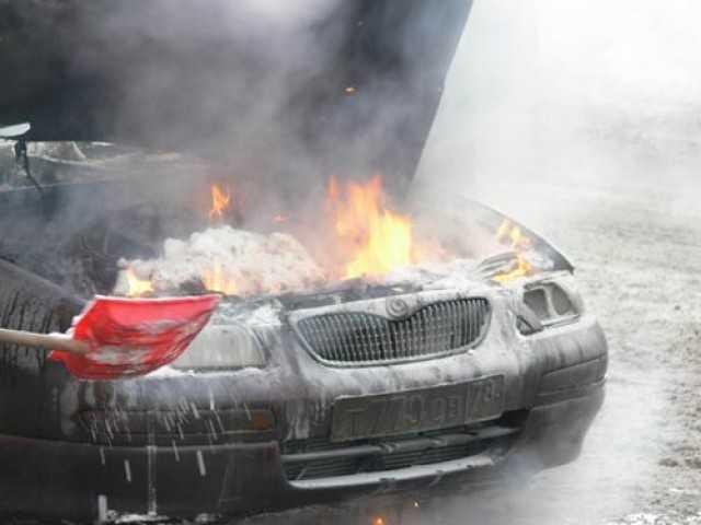 Что делать, если загорелся двигатель автомобиля