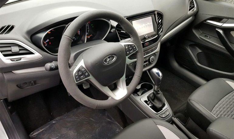 Обзор автомобиля LADA Vesta 2019 года внутри