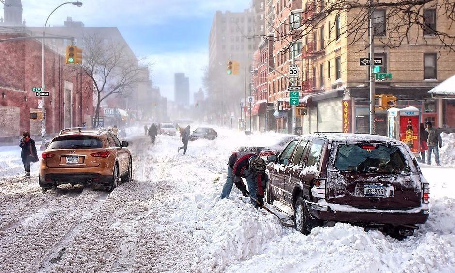 открывание дверей автомобиля зимой